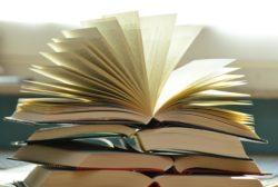 books-1082942_1280